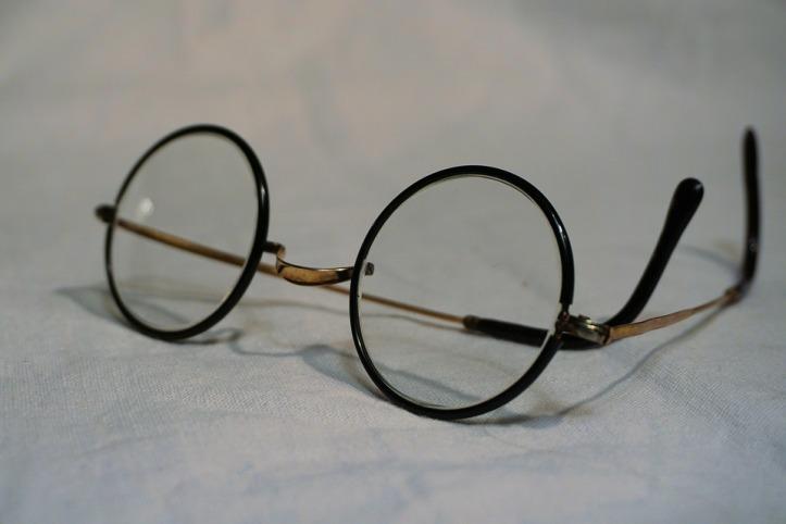glasses-1097864_960_720